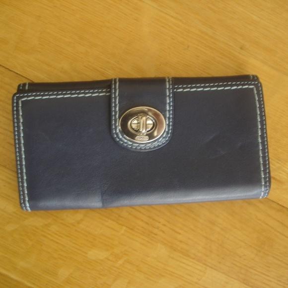 6729d8523c COACH Women Blue Leather Wallet Credit Card Holder